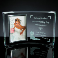 Curved 6mm Glass Frame with 4x6 inch Chrome Photo Frame, Single, White Boxed